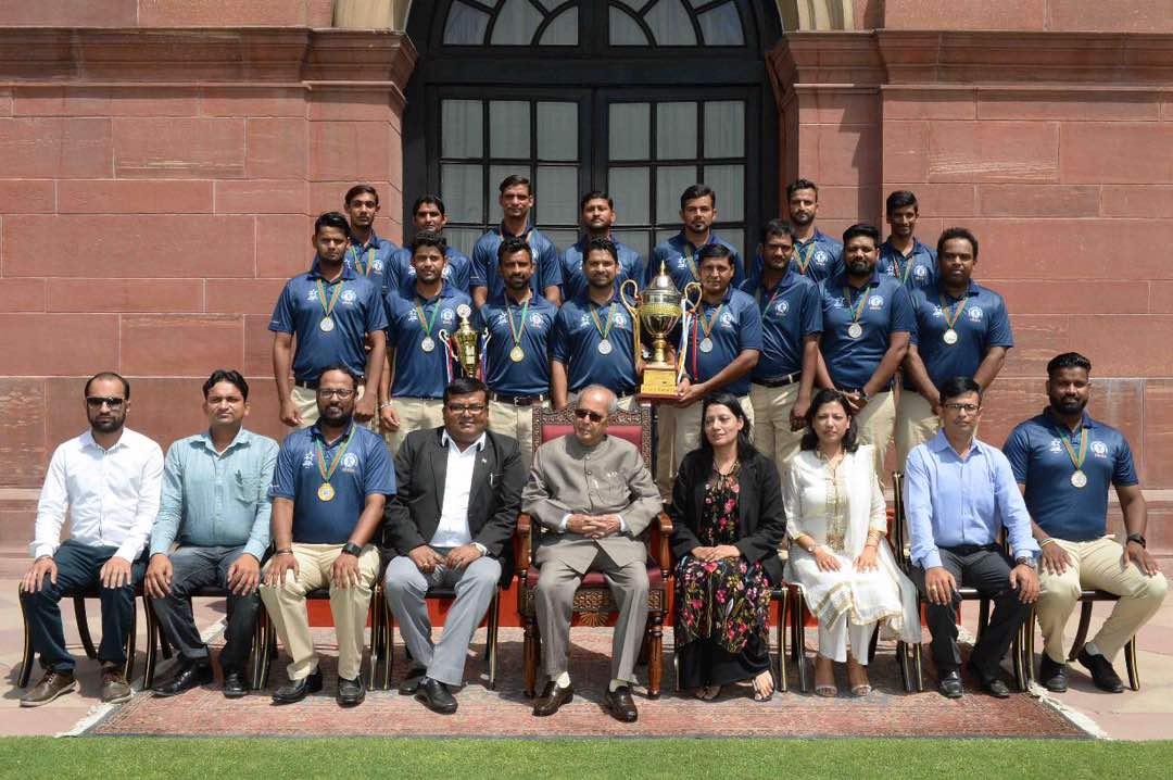 President-Pranab-Mukherjee-with-fahim.jpg
